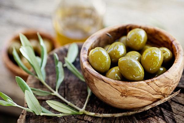 Top 10 Most Popular Greek Olives